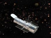 Hubbble Satelite sobre una rendición artística de planetas